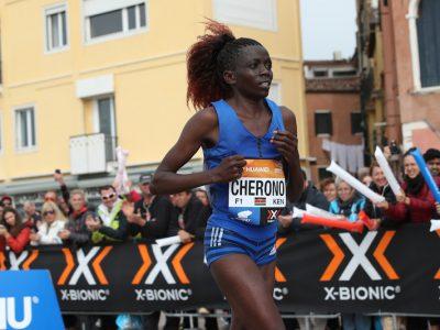Priscah Cherono vince la Maratona di Singapore